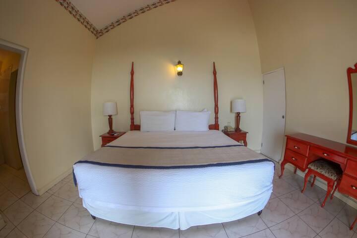 Budget Comfort Suite 7 @ Grandiosa Sleeps 2