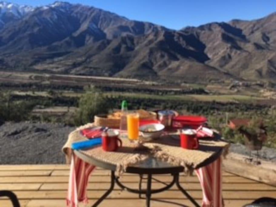 Vista de Primavera para tomar desayuno