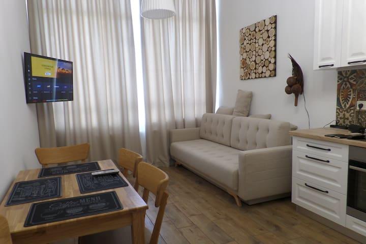 Уютная, светлая, квартирка с характером