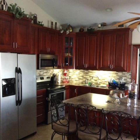PJ Belize's Place - Ladyville - Huis
