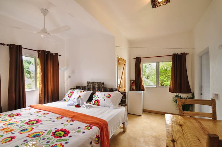 room with air conditionned and terrace see view