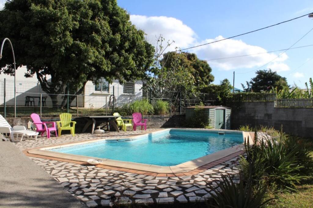 Appartement 2 chambres avec piscine apartments for rent for Saint paul piscine