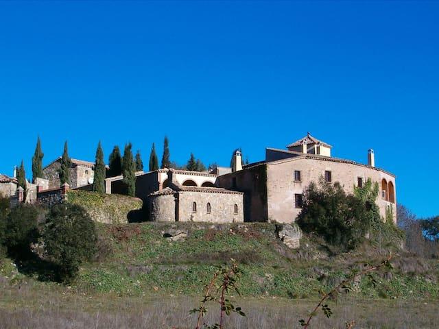 Masia fortaleza Medieval La Manyosa - Granera