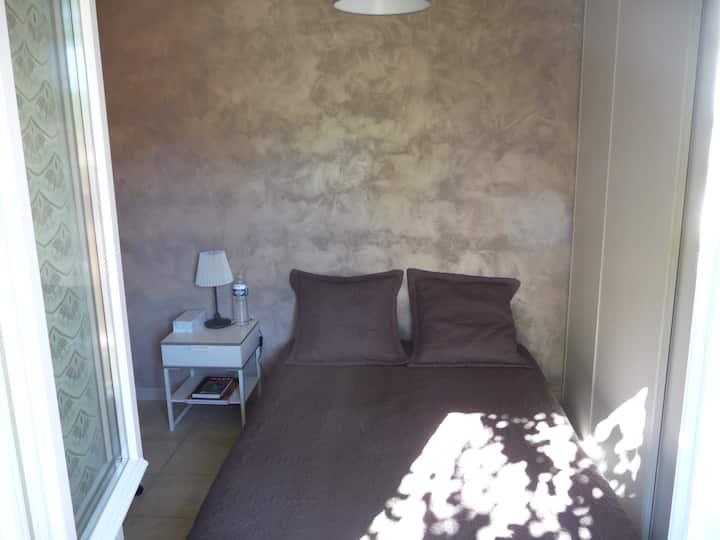 Chambre individuelle dans villa extra muros