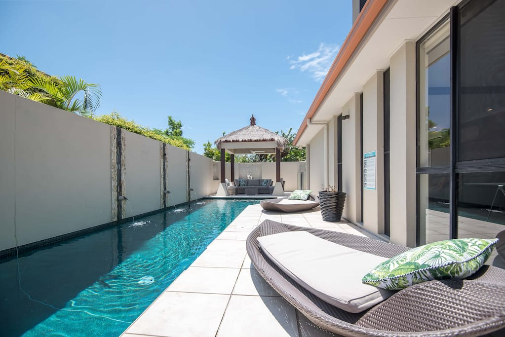 25 mtrs lap pool with Bali Hut and Banana lounges