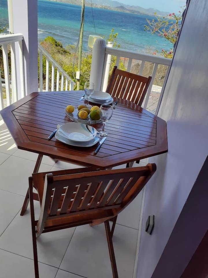 Villa JB - Petit appartement avec vue sur la mer