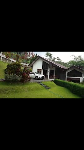 5 bedrooms -  Villa Rambutan ledug prigen