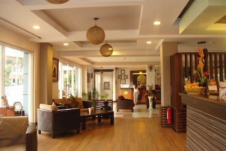 Soledad Business Suite - แทกบิลารัน - ที่พักพร้อมอาหารเช้า