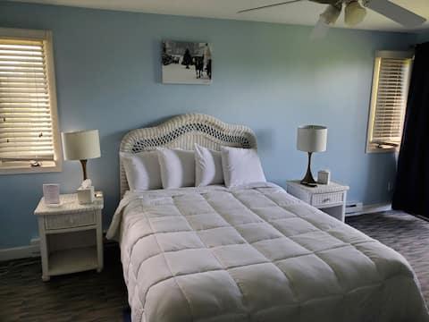 101 Nice quiet, private room.