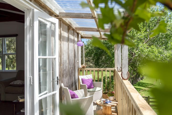 Muriwai Homestead Cottage Perfect Place To Relax