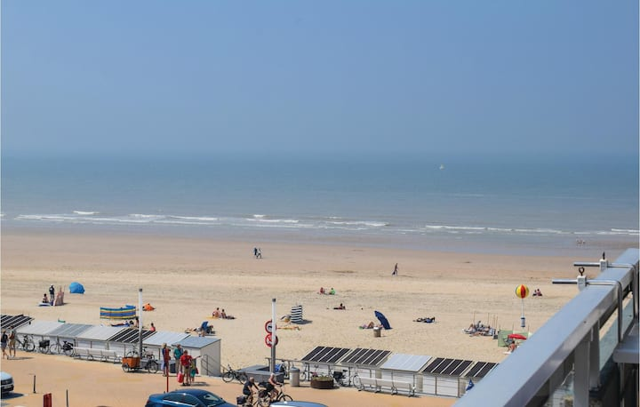 Holiday apartment with 1 room on 45m² in Ooostende