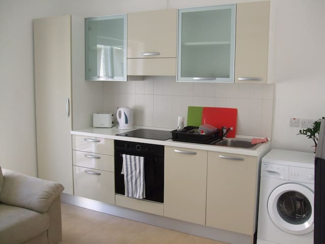 1 Bedroom apt 1 min away from sea - Sliema - Apartamento
