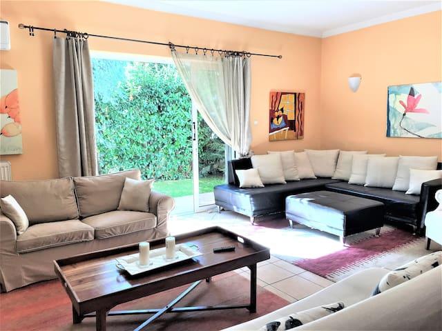 Charming apartment in kifisia