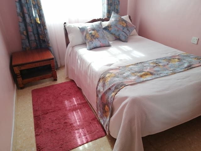 The Rhine Guest House Rm 3