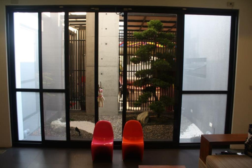 一樓客廳中庭