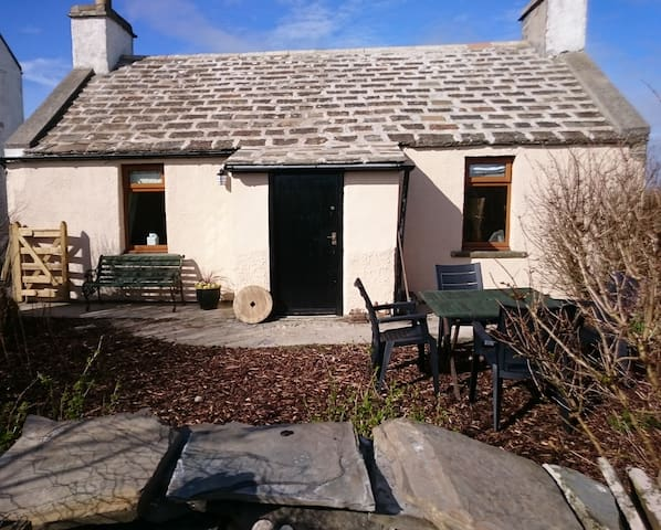 Doehouse Cottage, Sandwick, Orkney