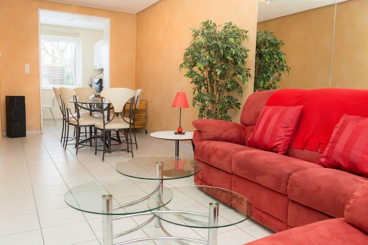 Rent a nice house with garden ! - Auderghem - Haus