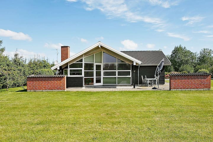 Picturesque Holiday Home in Brovst With Whirlpool