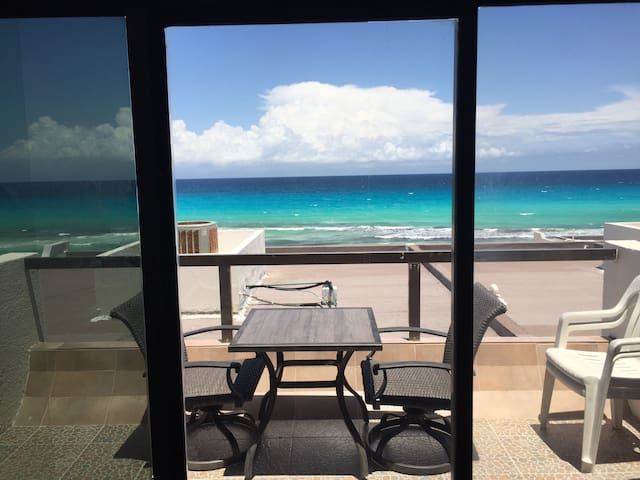 Condo with great ocean view