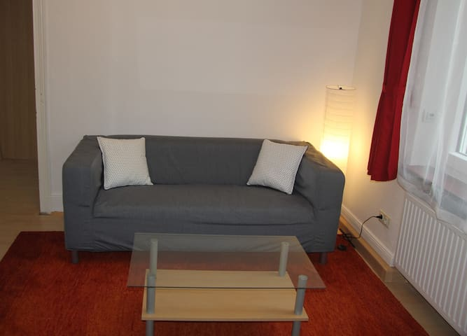 2 rooms quiet and centric in Bonn Beuel
