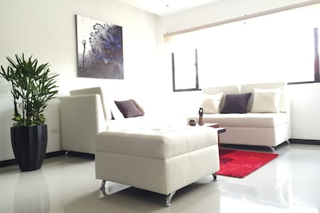 Exclusive Location, Central Cuenca - Cuenca - Apartment