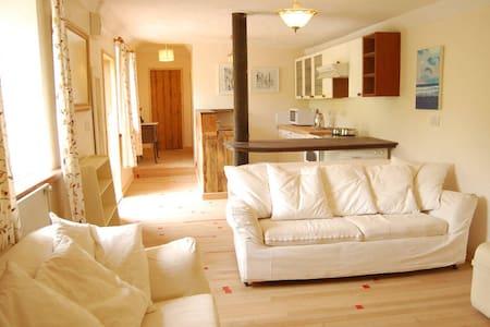 Rural,Spacious,Cosy,Renovated, Detatched Stables - Devon - Casa cova
