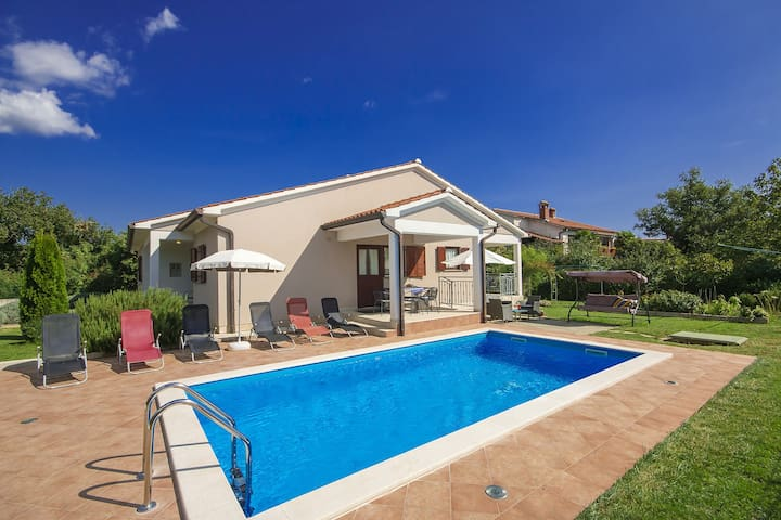Comfortable house Celestina with pool in Labin