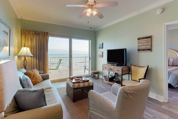 Gulf-front condo w/ access to indoor/outdoor pools, hot tub & sundeck!