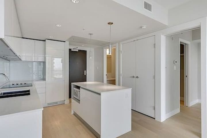 Brand New 1 Bedroom - Downtown by Stampede Park