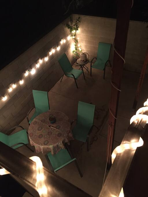 Private outdoor patio, seating for 6. Well lit for night time!