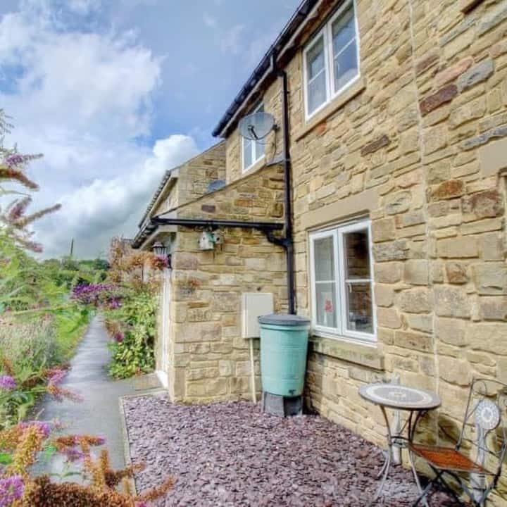 Beautifully Furnished Stone-Built House in Powburn