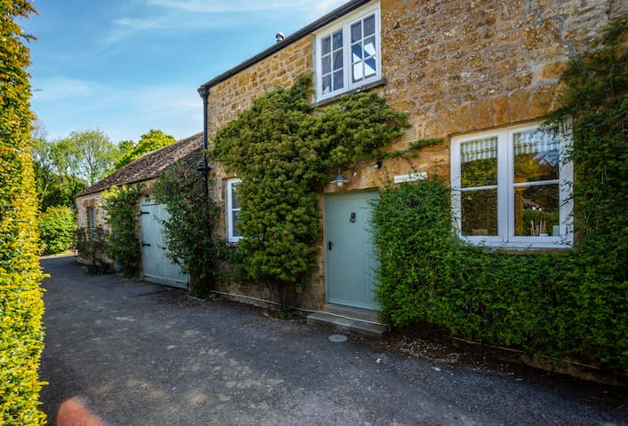Cosy Gardener's Cottage, Laverstock Farm, Bridport