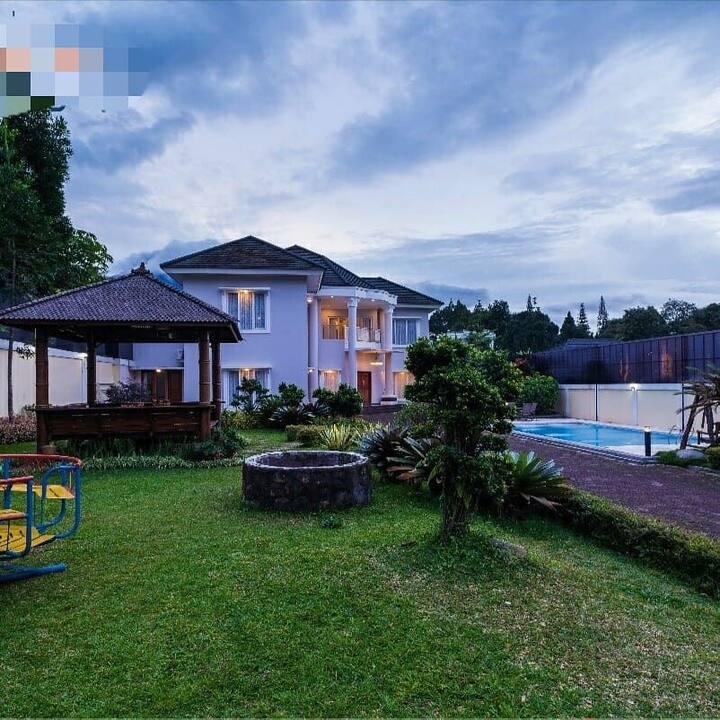 Villa puncak 5 room + swimming pool