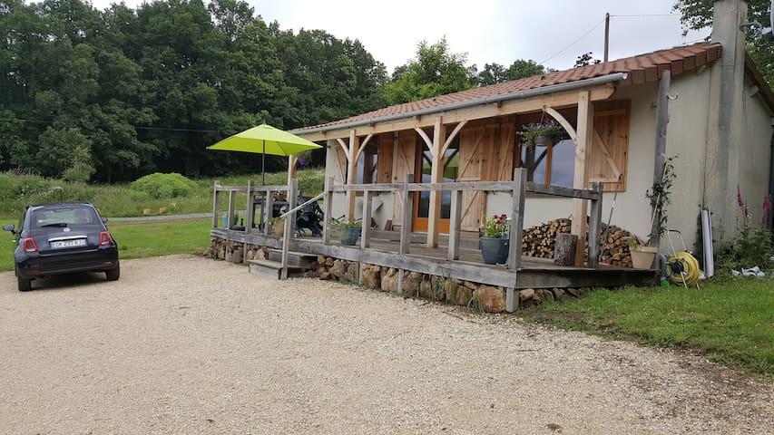 Le Cabin, Lionheart country - Saint-Pierre-de-Frugie - Rumah