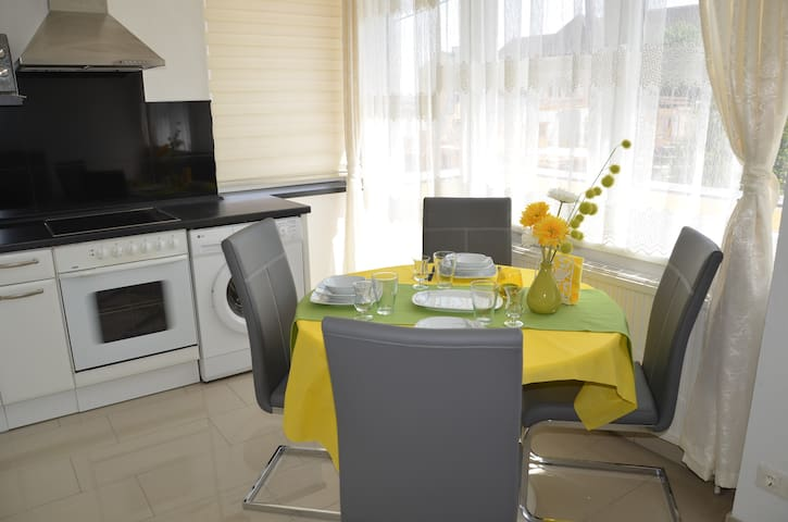 Gemütliches Apartment mit Balkon TOP 9 - Maria Enzersdorf - Appartement