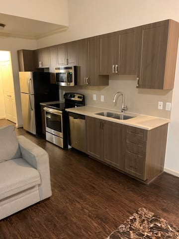 Simple Modern Loft near Emory w. FREE PARKING