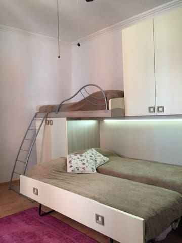 Bedroom with 3 single bed or 1 single bed and 1 double bed!