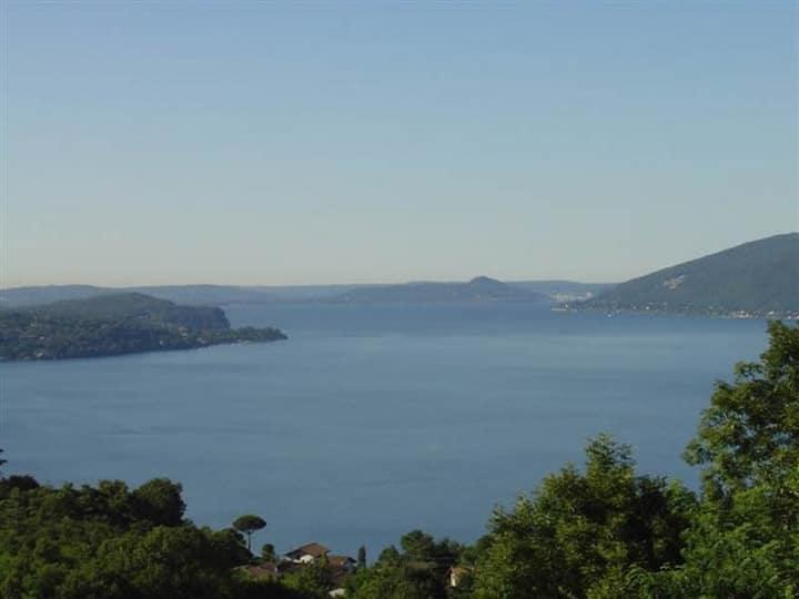 Arcobaleno Dante 3-room-flat 2 terraces+lake view