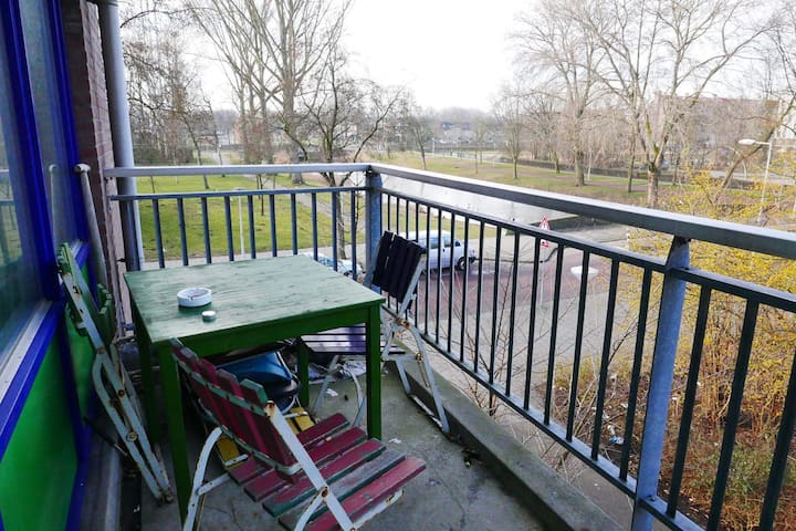 Spacious apartment, near Amsterdam and Airport