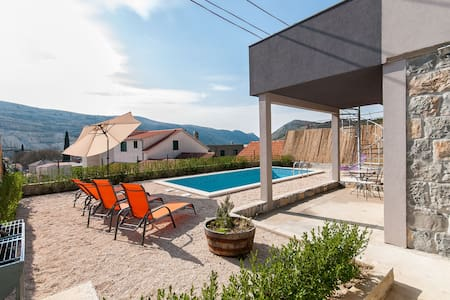 Villa Lisica (V3861) - Split - Villa