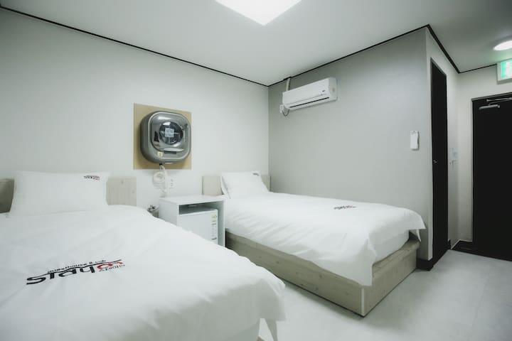 센텀 Stayan guesthouse & bnb, Twin room.. - Haeundae - Bed & Breakfast