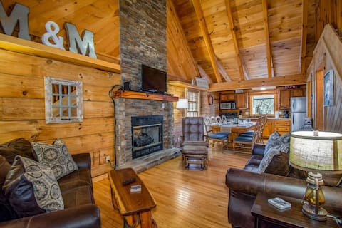 Location!  Great for Families 6 mi to Pigeon Forge