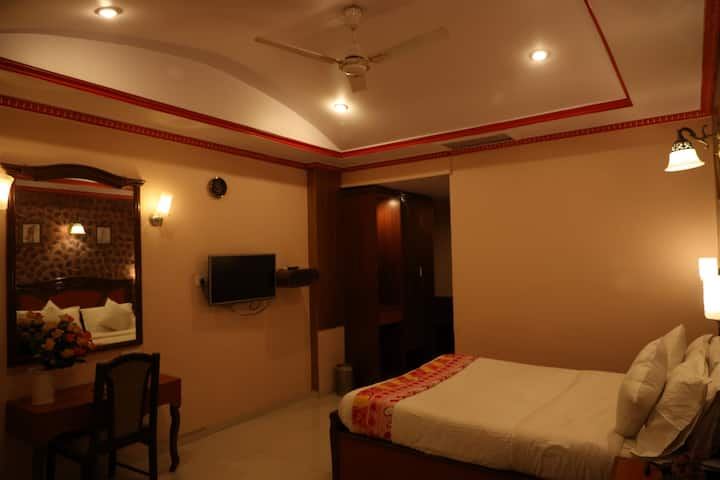 Standard Non A/C room @Valley view, mahabaleshwar.