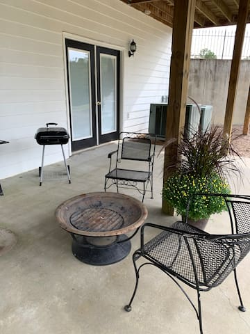 Fire pit & grill