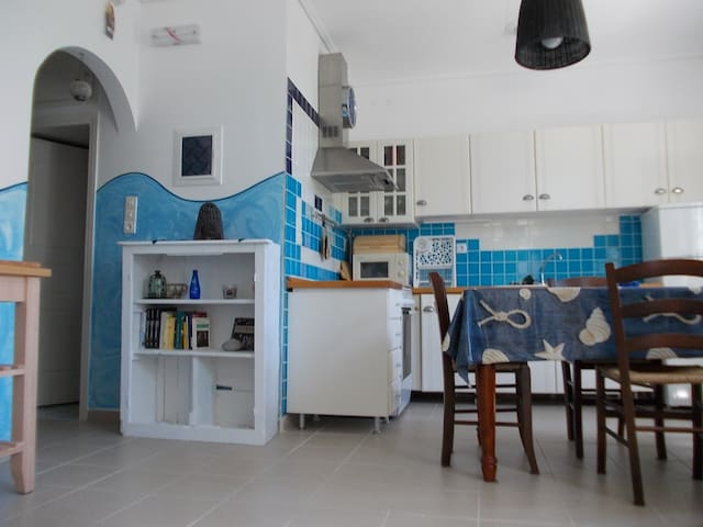 Marco's house in Adamas - Plaka - Apartment