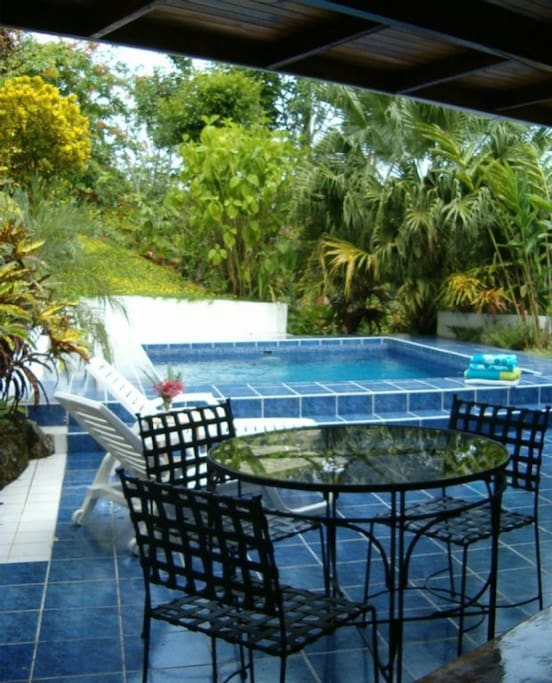 Casa tres palmas vacation homes for rent in quepos for Vacation homes for rent in costa rica