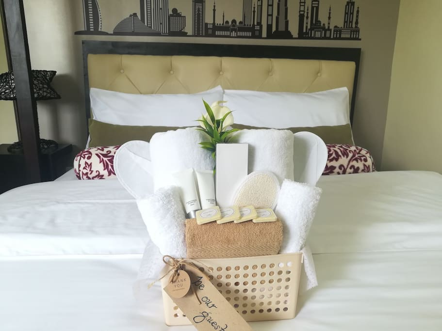 Our guests are provided with hotel quality linens, pillows, towels and bathroom kits to make their stay as comfortable as possible.