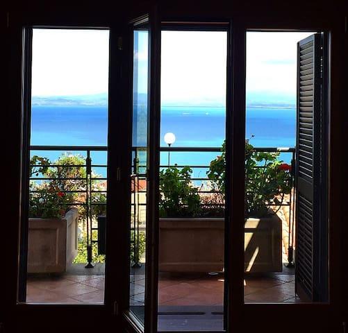 Camera con vista mare in villa indipendente - Porto Santo Stefano - Apartamento
