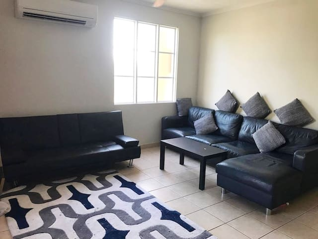 Great Private Room with Ensuite in superb location - Larrakeyah - Byt