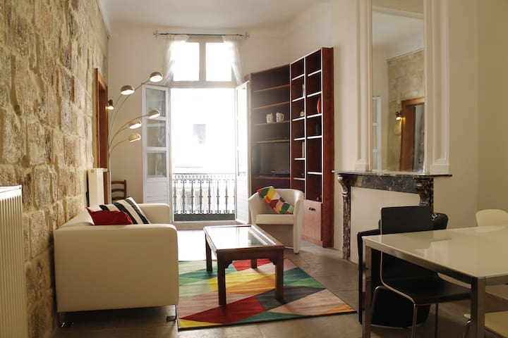 AUTHENTIC 2 BEDROOMS - HISTORICAL CENTER